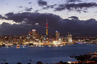 New Zealand, view to Auckland at evening twilight - p300m950750f by Stefan Deutsch