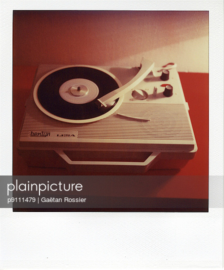 Vintage - p9111479 by Gaëtan Rossier
