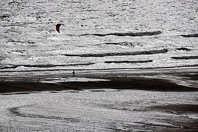 Kite Surfer on the beach - p1621m2291781 by Anke Doerschlen