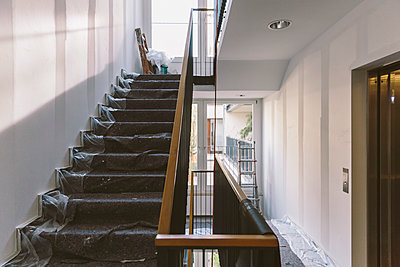 Renovation of staircase - p300m1549613 by Mareen Fischinger