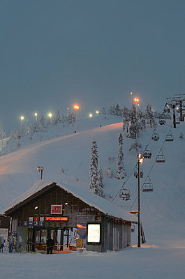 Ruka ski center - p3228884 by Kimmo von Lüders