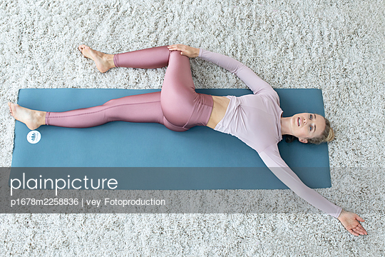 p1678m2258836 by vey Fotoproduction