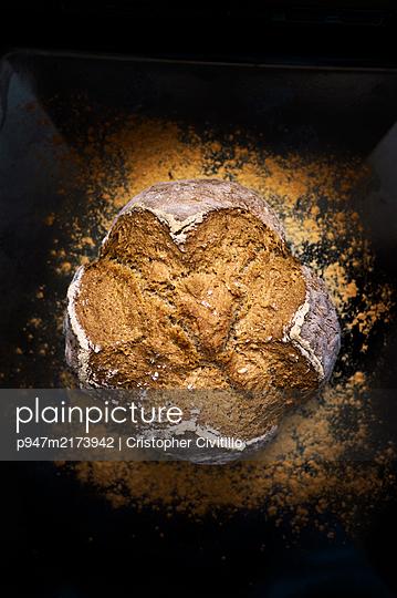 Fresh bread - p947m2173942 by Cristopher Civitillo
