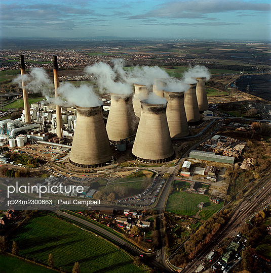 UK, North Yorkshire, Aerial view of Drax Power Station - p924m2300863 by Paul Campbell