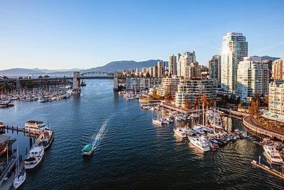 False Creek, Vancouver, British Columbia, Canada - p651m2033367 by Matteo Colombo photography