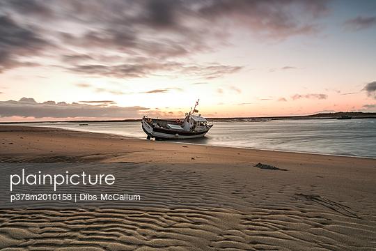 p378m2010158 von Dibs McCallum
