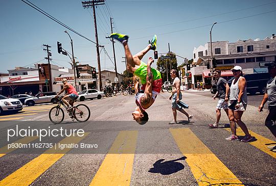 Stuntmen - p930m1162735 von Phillip Gätz