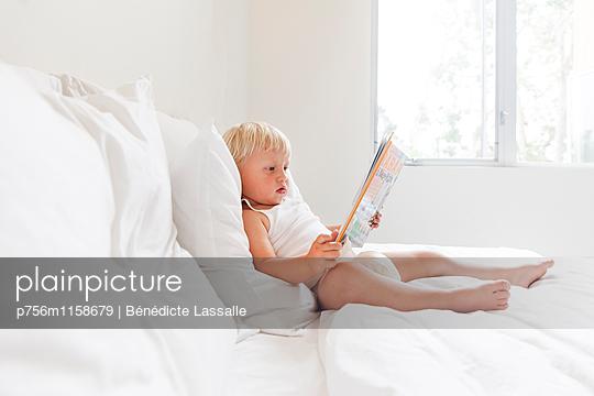 Kleinkind - p756m1158679 von Bénédicte Lassalle