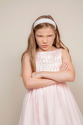Preteen girl - p397m880318 by Peter Glass