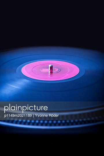 Plattenspieler - p1149m2021189 von Yvonne Röder