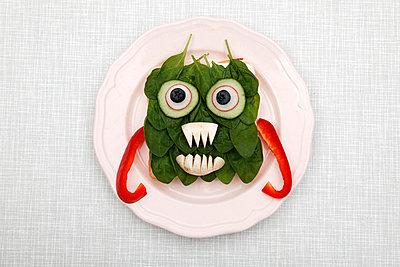 Vegetarisches Monster - p238m831888 von Anja Bäcker
