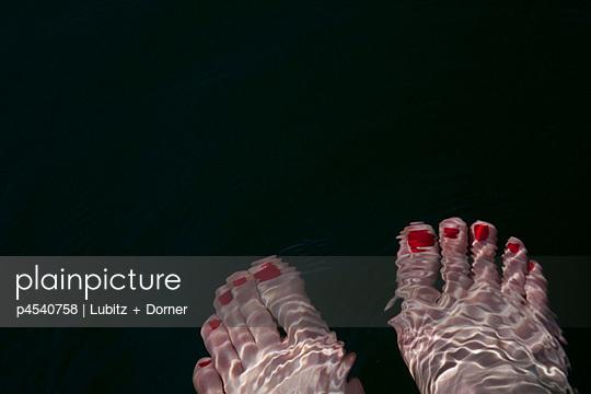Feet in the water - p4540758 by Lubitz + Dorner