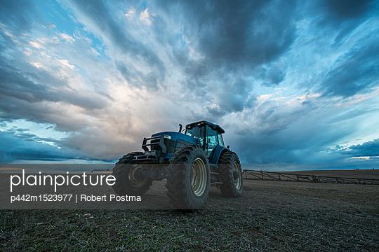 p442m1523977 von Robert Postma