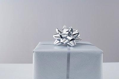 Christmas Present - p4640341 by Elektrons 08
