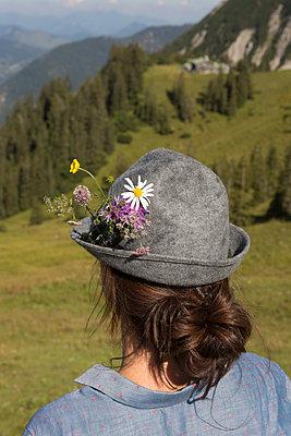 Summer in the mountains - p454m1190370 by Lubitz + Dorner