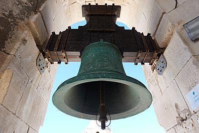 Bell - p851m2077267 by Lohfink