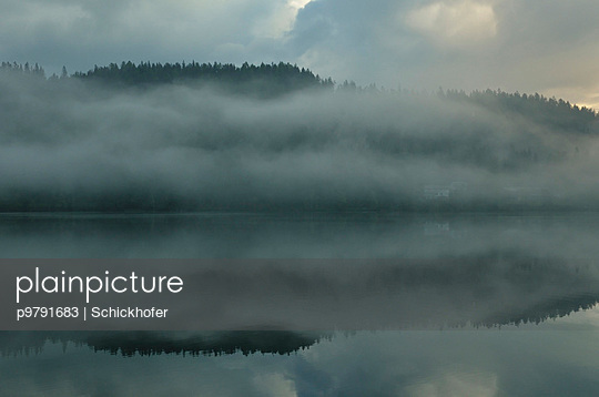 Erlauf See im Morgennebel - p9791683 von Schickhofer
