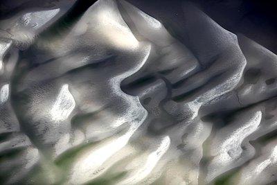 Riffle - p1258m1061398 by Peter Hamel