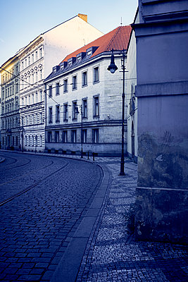 Gebäude in der Stadt - p851m1481606 von Lohfink
