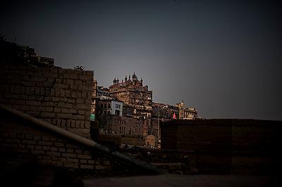 Varanasi - p1007m1059959 by Tilby Vattard