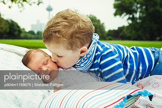 Geschwister - p904m1159675 von Stefanie Neumann