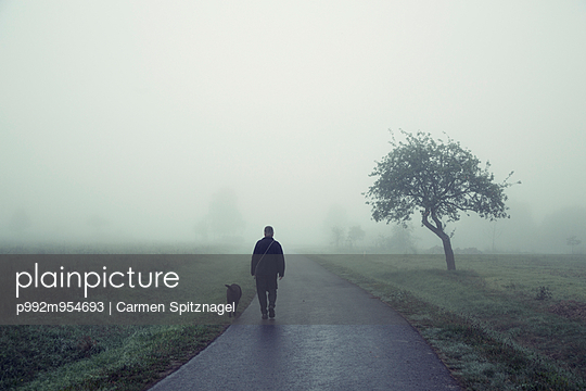 Walk in the early morning - p992m954693 by Carmen Spitznagel