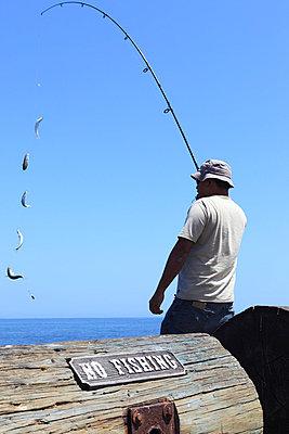 No fishing - p0452864 by Jasmin Sander
