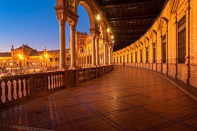 Arcades, Plaza de Espana illuminated after sunset - p1332m2203284 by Tamboly