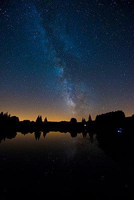Milky way - p829m919014 by Régis Domergue