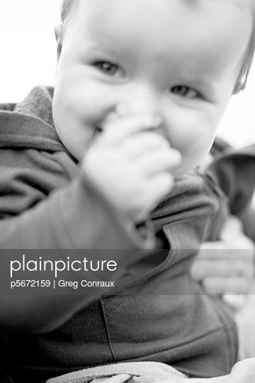 Freundliches Baby - p5672159 von Greg Conraux