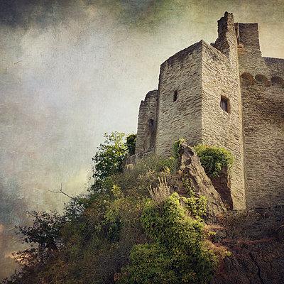 Burg Hohenstein - p1633m2208974 by Bernd Webler