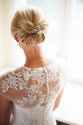 Braut - p412m1000178 von Darshana