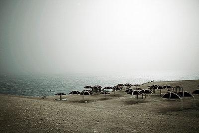 Verlassener Strand - p4150614 von Tanja Luther