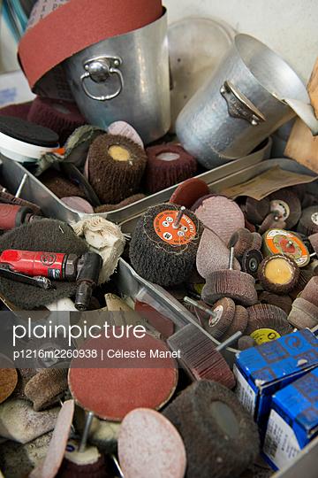 Tools - p1216m2260938 by Céleste Manet