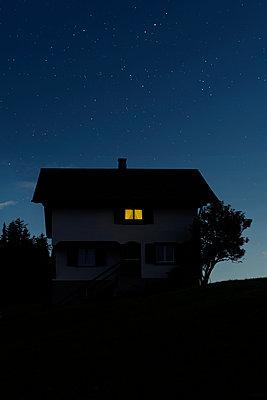 Bauernhaus in der Schweiz - p470m2244395 von Ingrid Michel
