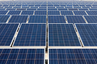 Solar - p930m1040062 by Ignatio Bravo