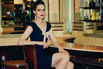 Vintage-Style Portrait - p988m792905 von Rachel Rebibo