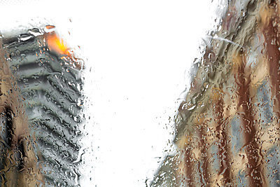 Rain - p1057m1005016 by Stephen Shepherd