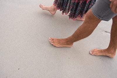 Zweisamkeit am Strand - p1142m1225316 von Runar Lind