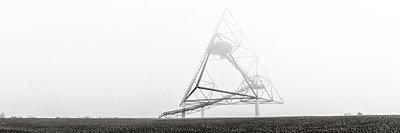 Deutschland, Bottrop, Tetraeder - p1643m2229355 von janice mersiovsky