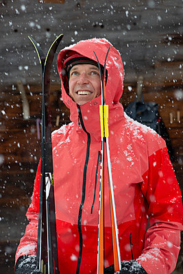 Enjoying winter sport - p454m2209972 by Lubitz + Dorner