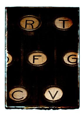 Alte Schreibmaschine - p4510945 von Anja Weber-Decker
