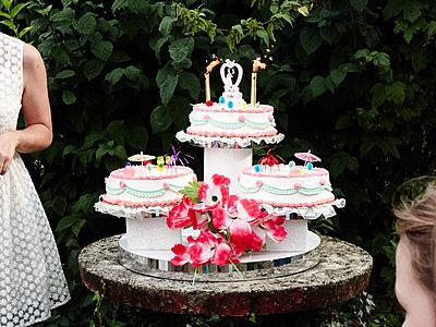 Wedding cake - p1499m1588956 by Marion Barat