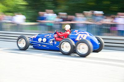 Autorennen - p851m1481599 von Lohfink