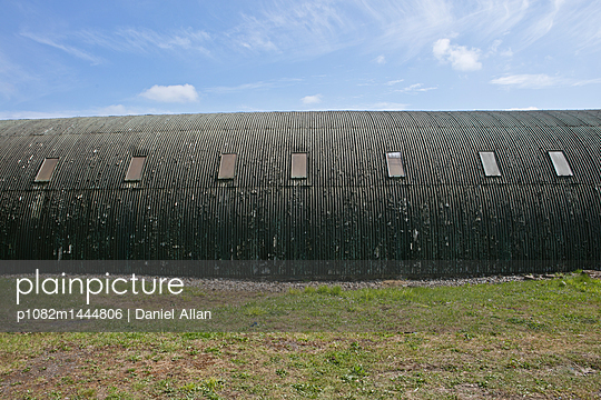 Long Barn  - p1082m1444806 by Daniel Allan
