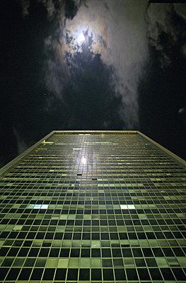 Moon Over Tower Block - p1072m829507 by Tal Paz-Fridman