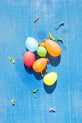 Water balloons - p454m1552818 by Lubitz + Dorner
