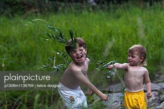 Wasserschlacht - p1308m1136769 von felice douglas