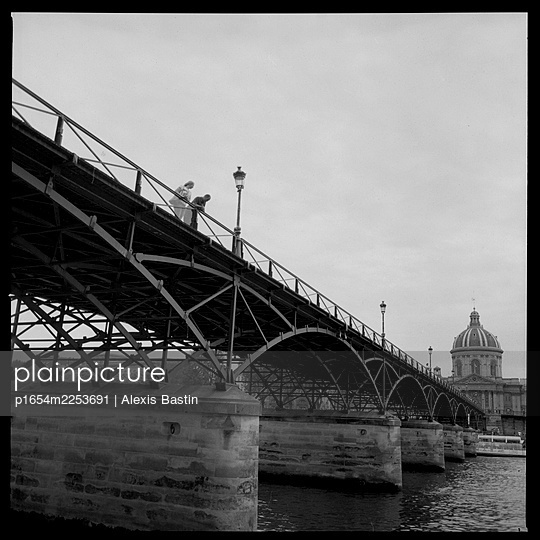 Paris, Pont des Arts - p1654m2253691 by Alexis Bastin