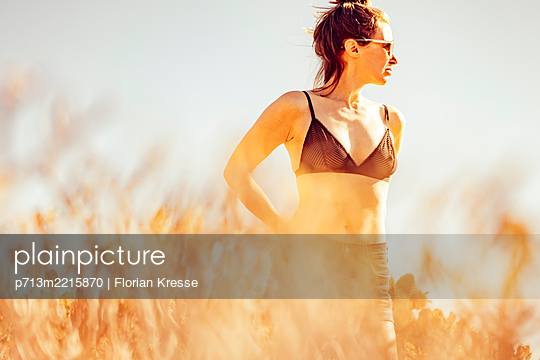 p713m2215870 by Florian Kresse